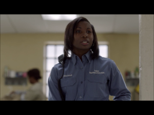 Lolita Foster as CO Maxwell ( Screen : Netflix )