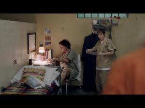 Kate Mugrew ( Red ) and Abigail Savage ( Gina Murphy )  [ Screen : Netflix ]