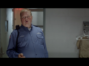 Joel Marsh Garland as CO O'Neil ( Screen : Netflix )